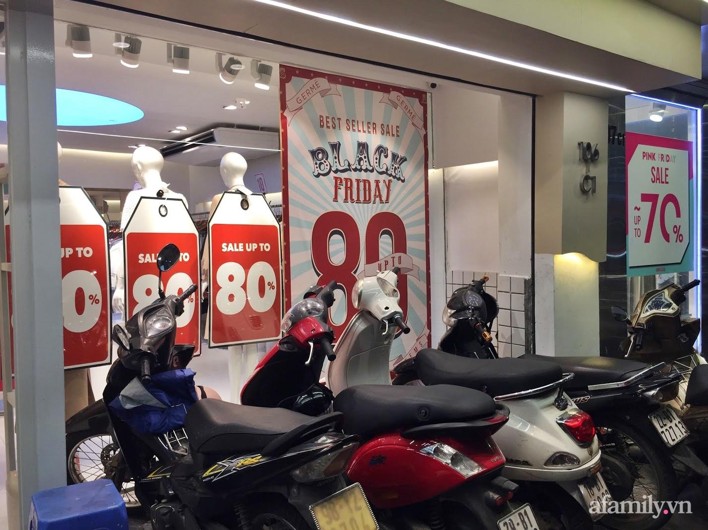 Hà Nội: Phố thời trang rợp biển giảm giá 80% trước ngày mua sắm Black Friday - Ảnh 7.
