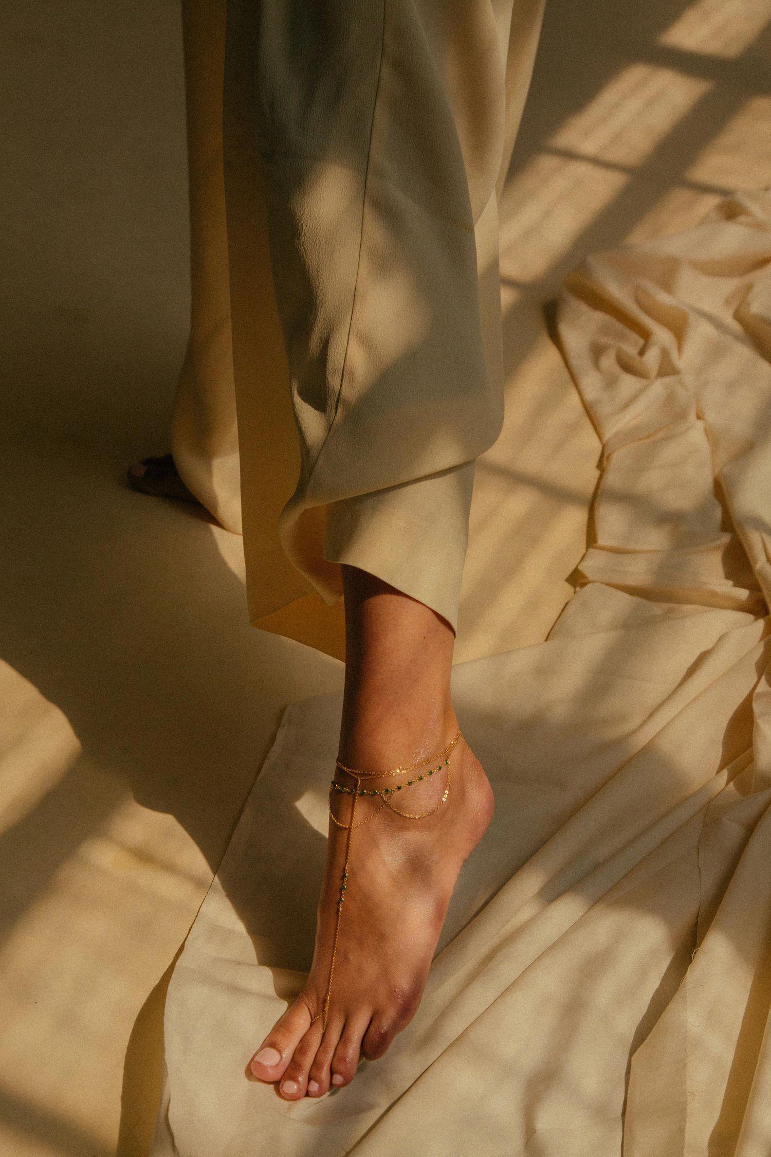 """Mùa Thu Đông chân dễ nứt toác khô bong, lưu ngay 5 tips để bảo vệ từ """"chân tơ kẽ tóc"""" - Ảnh 5."""