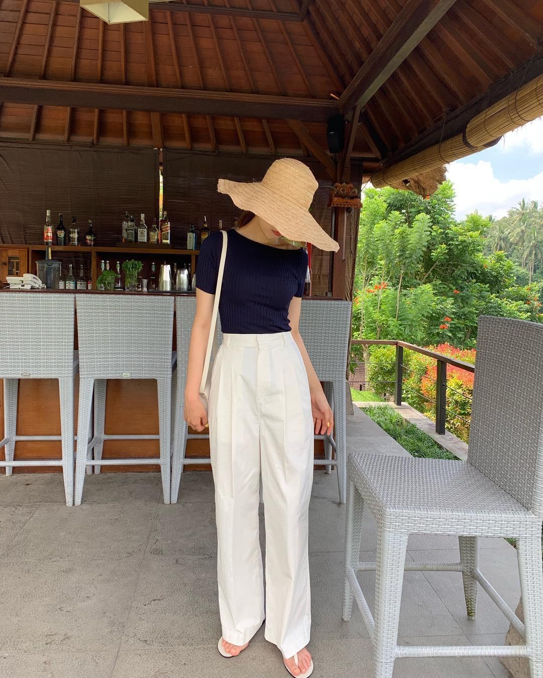 Hội con gái Hàn hay mix quần ống suông với 3 kiểu áo này để ghi điểm sành điệu và sang xịn nhất - Ảnh 6.