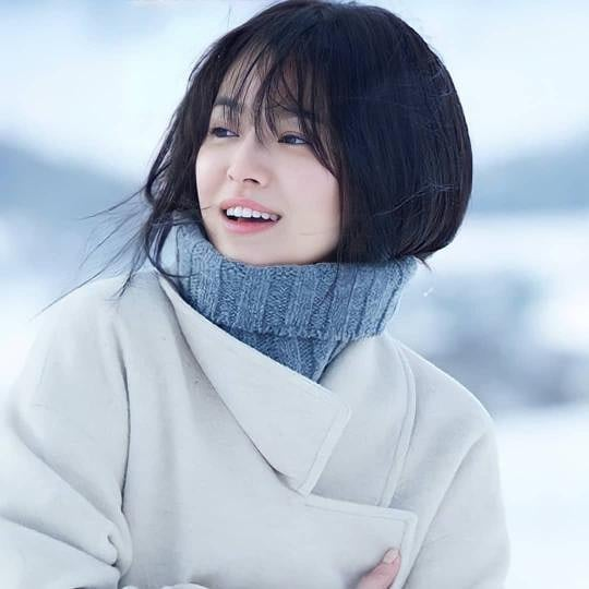 """Song Hye Kyo gây chú ý với chia sẻ mới nhất khi bước sang tuổi 39: """"Ngay cả khi rời khỏi thế giới này... tình yêu là thứ duy nhất chúng ta có thể mang đi"""" - Ảnh 2."""