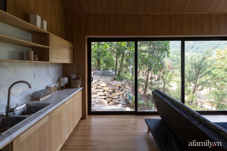 """Ngôi nhà nhỏ 40m² chênh vênh trên núi """"tắm"""" trọn ánh nắng và bóng cây ở ngoại ô Hà Nội - Ảnh 13."""