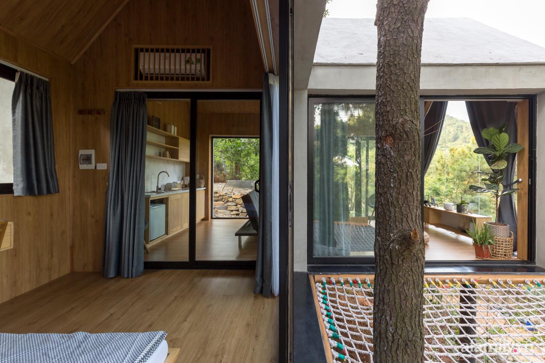 """Ngôi nhà nhỏ 40m² chênh vênh trên núi """"tắm"""" trọn ánh nắng và bóng cây ở ngoại ô Hà Nội - Ảnh 14."""