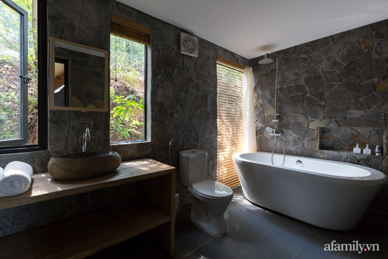 """Ngôi nhà nhỏ 40m² chênh vênh trên núi """"tắm"""" trọn ánh nắng và bóng cây ở ngoại ô Hà Nội - Ảnh 18."""
