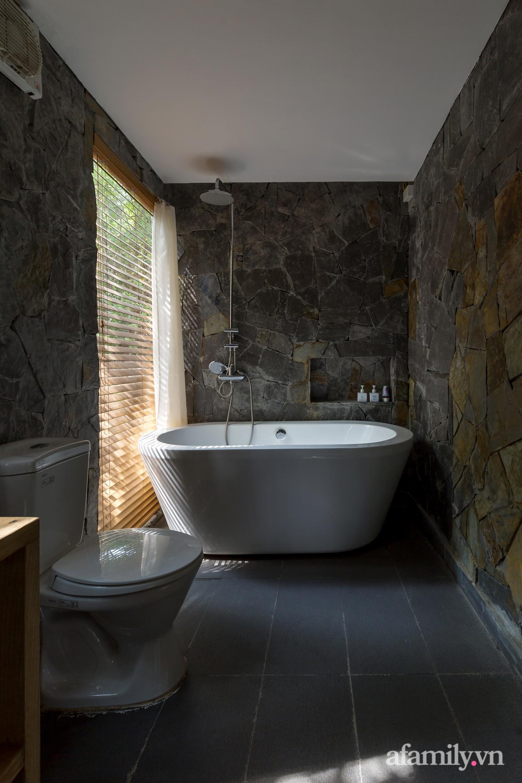 """Ngôi nhà nhỏ 40m² chênh vênh trên núi """"tắm"""" trọn ánh nắng và bóng cây ở ngoại ô Hà Nội - Ảnh 19."""