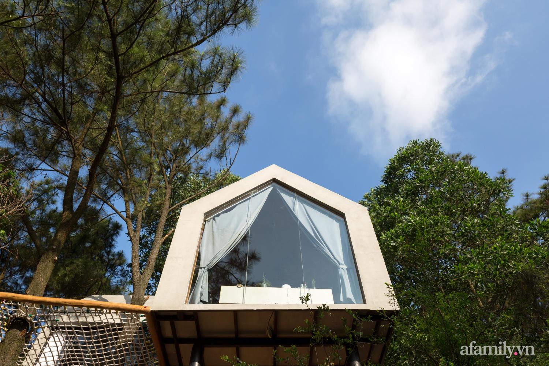 """Ngôi nhà nhỏ 40m² chênh vênh trên núi """"tắm"""" trọn ánh nắng và bóng cây ở ngoại ô Hà Nội - Ảnh 2."""