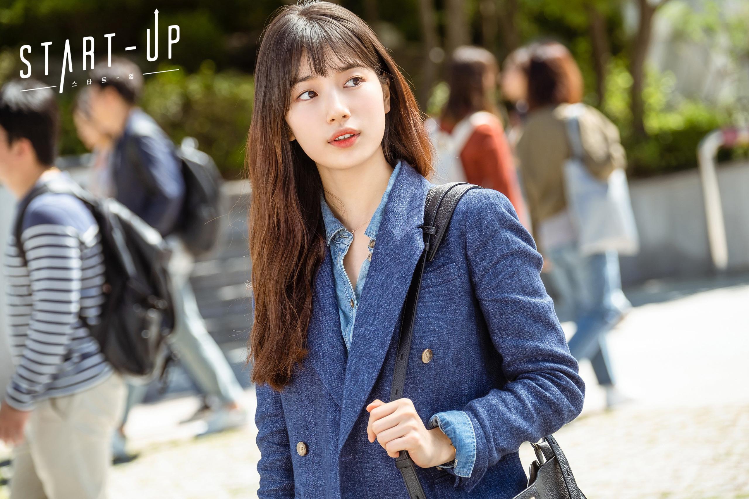 Học ngay Suzy trong Star-Up 4 cách diện áo sơ mi trẻ trung, siêu thanh lịch và còn đẹp từ Hè sang Đông - Ảnh 7.
