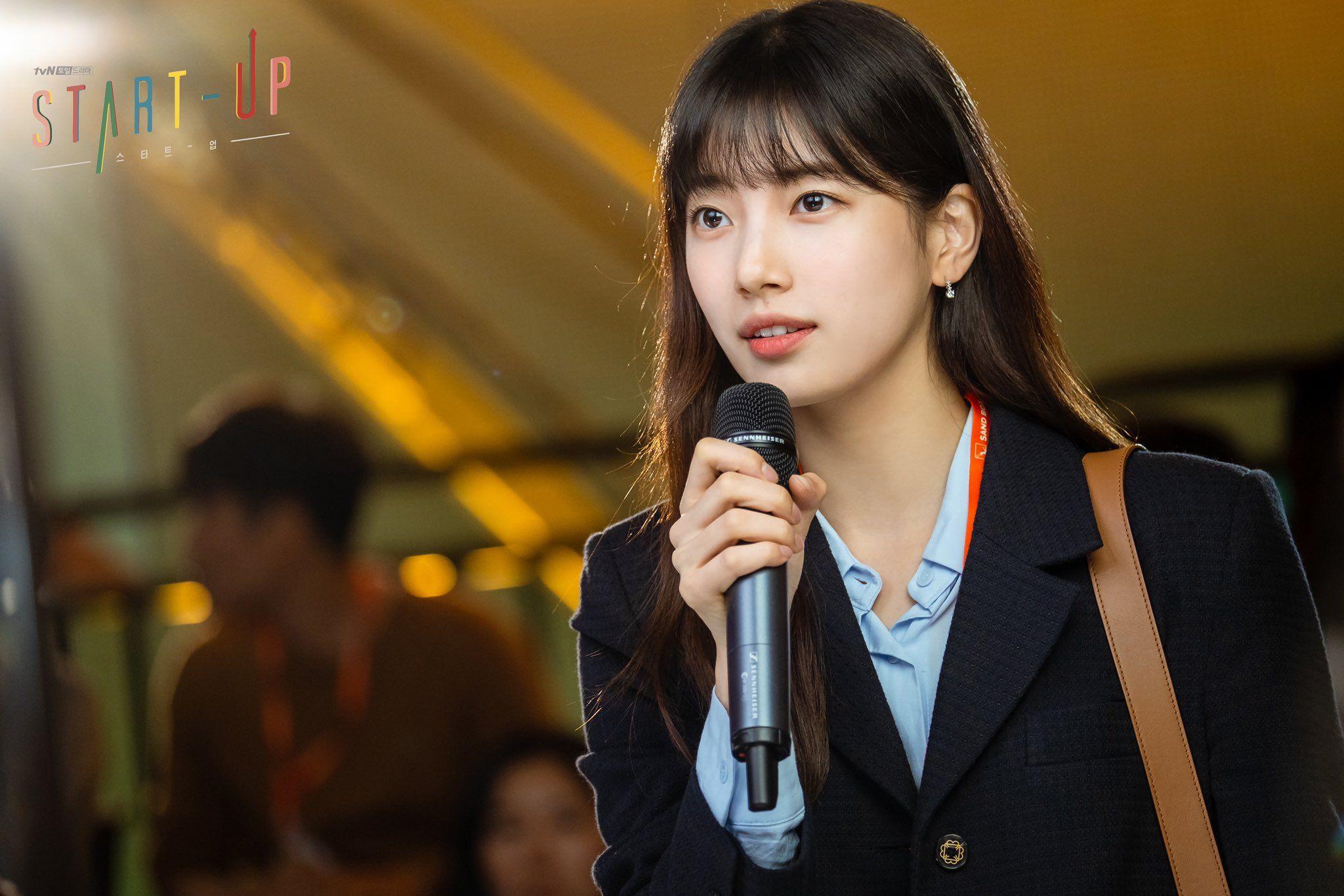 Học ngay Suzy trong Star-Up 4 cách diện áo sơ mi trẻ trung, siêu thanh lịch và còn đẹp từ Hè sang Đông - Ảnh 8.