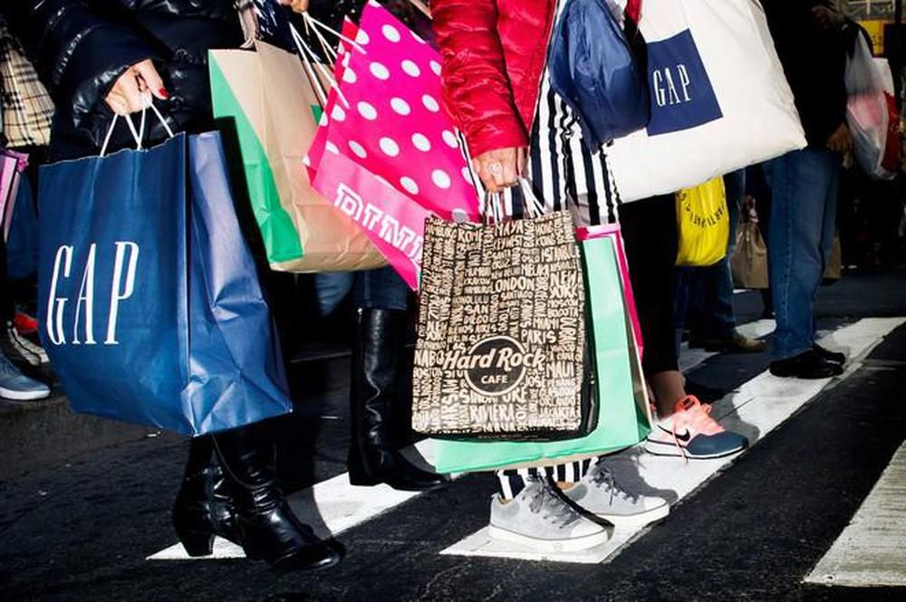 """Tại sao chúng ta lại mua sắm bốc đồng và cách hạn chế hành vi """"có hại"""" này - Ảnh 1."""