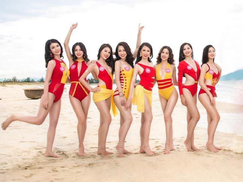 Bóc loạt áo tắm bị chê tả tơi vì xấu tại các cuộc thi Hoa hậu ở Việt Nam, có bộ còn khiến thí sinh lộ hàng ngay tại chỗ - Ảnh 13.