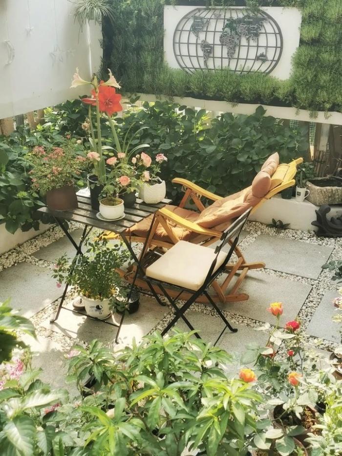 Cặp vợ chồng phá bỏ sân đầy rác và cỏ dại, cải tạo thành khu vườn ai cũng muốn ghé thăm - Ảnh 4.
