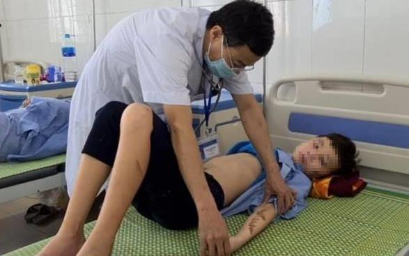 """Vụ """"tra tấn"""" 2 nhân viên ở Bắc Ninh: Trẻ bị bạo hành có thể gặp trở ngại trong phát triển hành vi, ứng xử"""