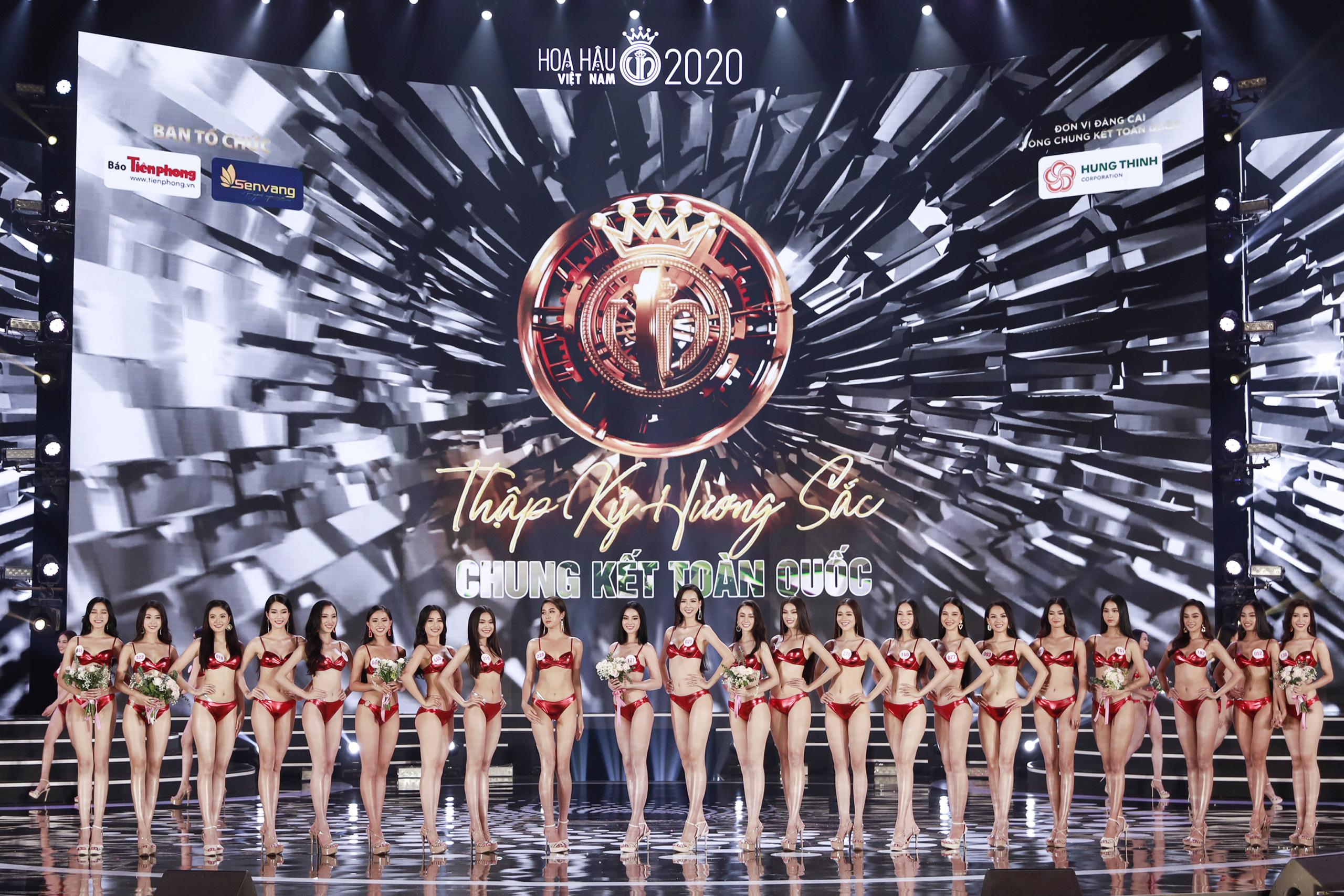 Bóc loạt áo tắm bị chê tả tơi vì xấu tại các cuộc thi Hoa hậu ở Việt Nam, có bộ còn khiến thí sinh lộ hàng ngay tại chỗ - Ảnh 3.