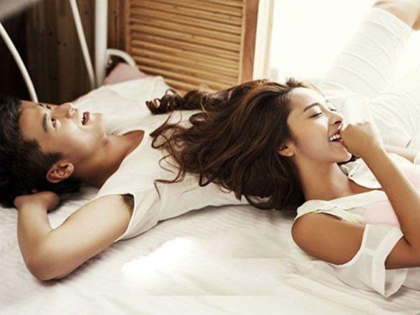 Nếu trên giường, một người đàn ông có thể mê đắm bạn theo cách `` bất kể thế nào '' thì Xin chúc mừng, bạn là người phụ nữ mà anh ấy yêu mến - Ảnh 1.