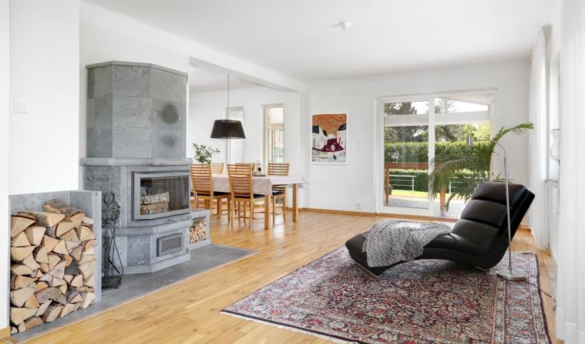 Căn nhà màu trắng mang nắng ngập tràn được thiết kế theo phong cách Bắc Âu nổi bật bên vườn cây xanh mát - Ảnh 5.