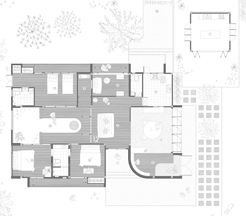 200716onhill1 1606275673663868168282 - Sống hạnh phúc giữa vườn cây xanh cùng căn nhà gỗ bình yên ai ngắm cũng ước ao của gia đình 6 thành viên