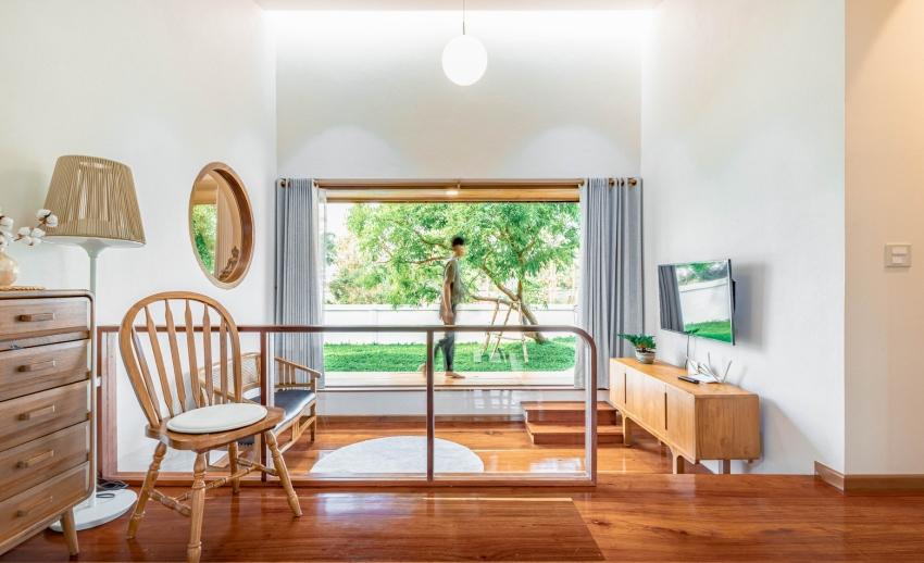 200716onhill6 16062756735431741070185 - Sống hạnh phúc giữa vườn cây xanh cùng căn nhà gỗ bình yên ai ngắm cũng ước ao của gia đình 6 thành viên