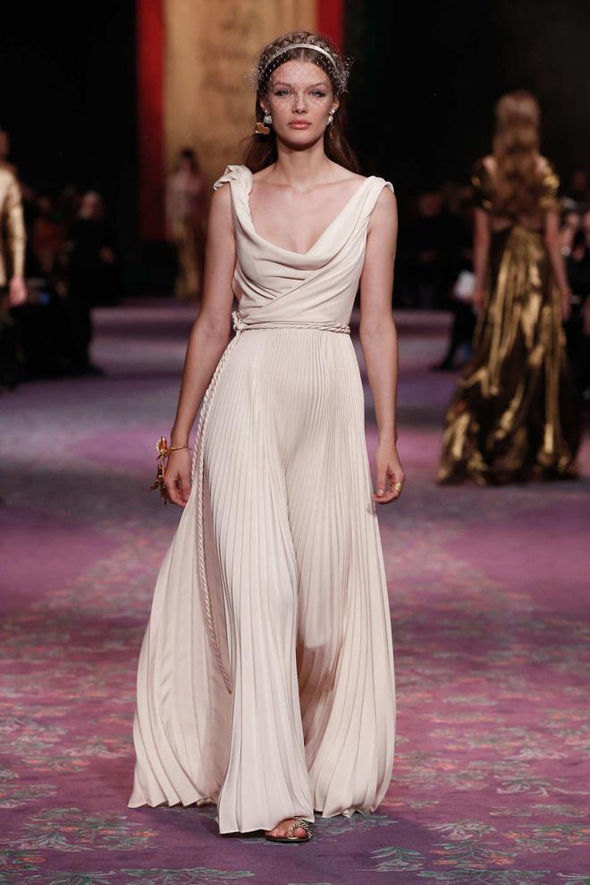 Mix & Phối - Tranh cãi giữa fandom Jisoo - Suzy: Cùng làm đại sứ thương hiệu của Dior, 5 lần 10 lượt đụng hàng nhưng ai mới là nàng thơ đích thực của hãng? - chanvaydep.net 7