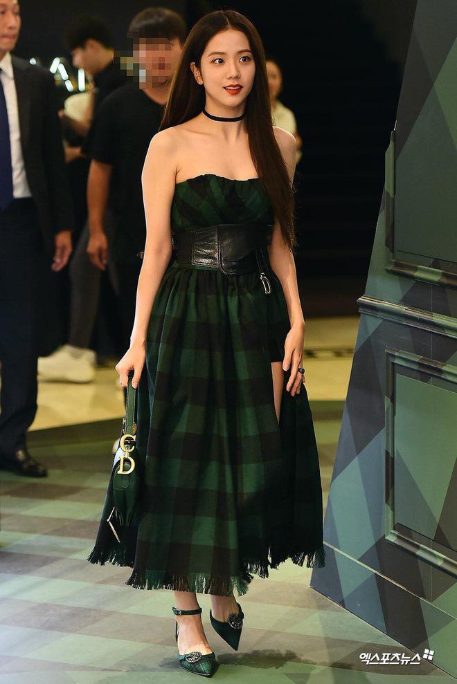 Mix & Phối - Tranh cãi giữa fandom Jisoo - Suzy: Cùng làm đại sứ thương hiệu của Dior, 5 lần 10 lượt đụng hàng nhưng ai mới là nàng thơ đích thực của hãng? - chanvaydep.net 9