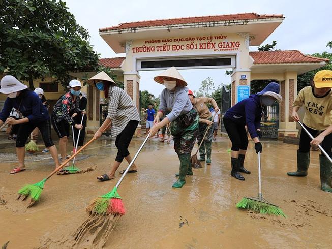 Hỗ trợ 670 tỷ đồng cho các địa phương khắc phục hậu quả bão, lũ - Ảnh 1.