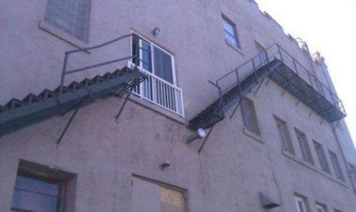 Nhà không có tầng nhưng vẫn đam mê xây cầu thang, gia chủ khiến khách khứa đau đầu dự đoán mục đích và cái kết vô cùng... ngã ngửa - Ảnh 22.