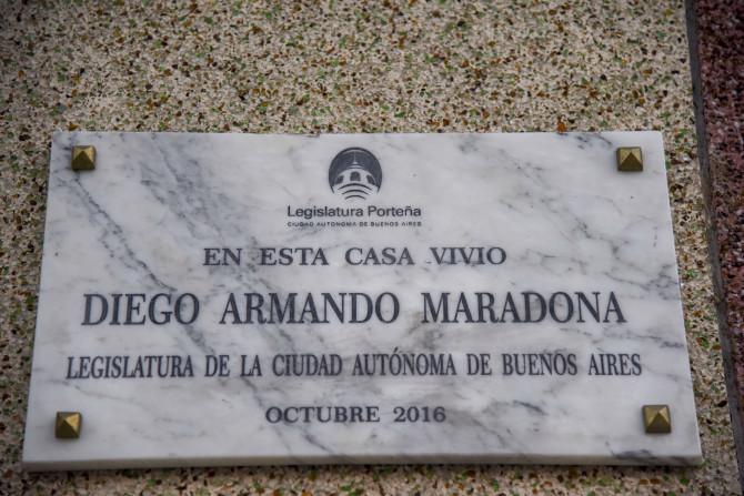 Khám phá nơi yên nghỉ cuối cùng của Maradona, căn nhà Cậu bé Vàng từng sống thuở chưa nổi tiếng - Ảnh 9.