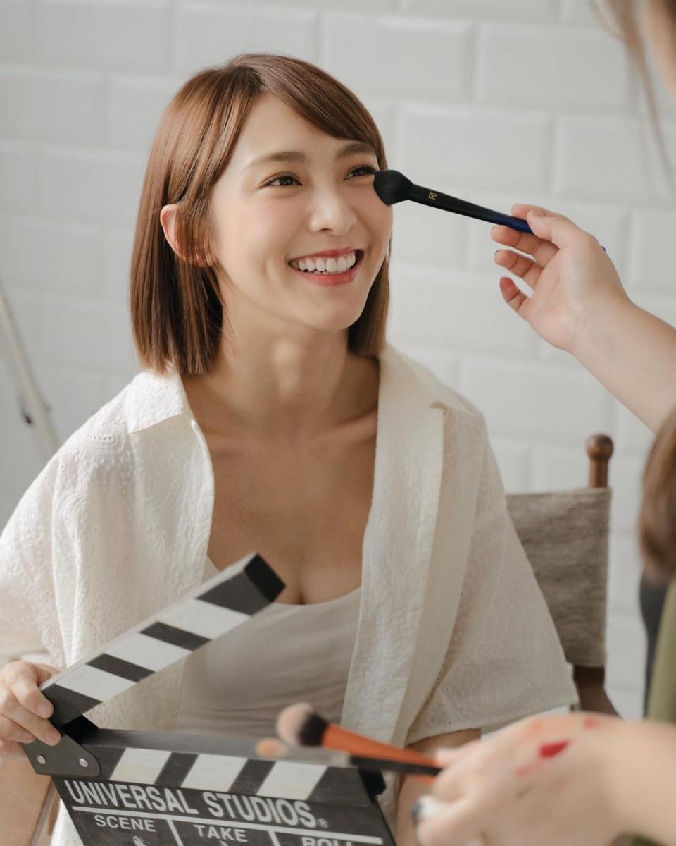 """Có tới 9 kiểu tóc ngắn giúp các chị em """"trẻ hóa"""" thành công và gương mặt thon gọn hơn hẳn - Ảnh 7."""