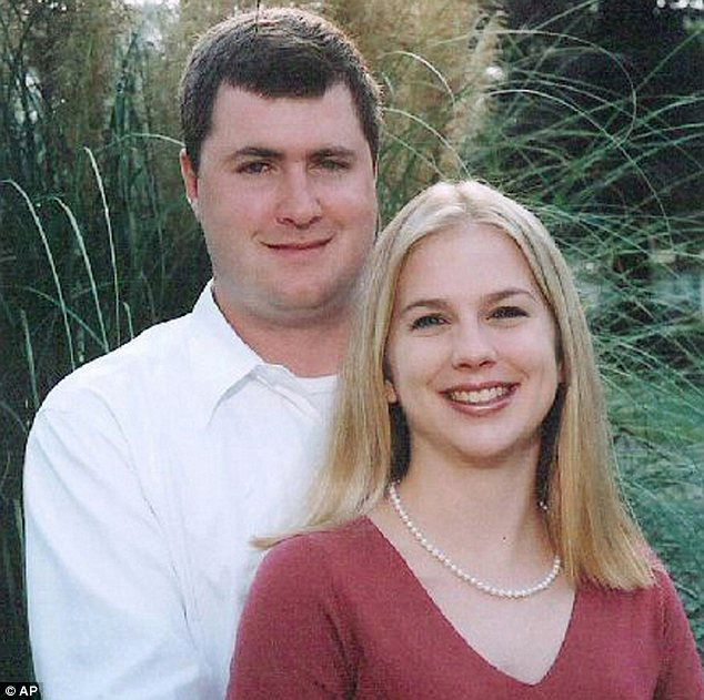 Chuyến đi hưởng tuần trăng mật định mệnh của cô dâu mới cưới 11 ngày và bức ảnh tố cáo tội ác của người bạn đời đến nay vẫn gây tranh cãi - Ảnh 3.
