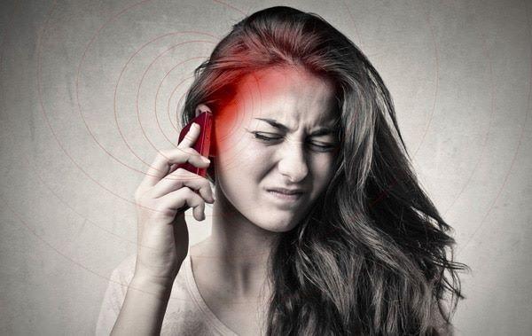Nguy cơ ung thư tuyến giáp từ bức xạ điện thoại di động - Ảnh 1.