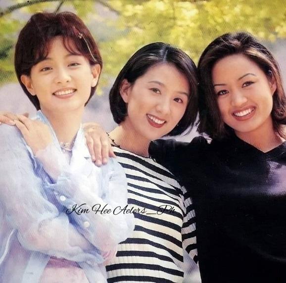 """Khi 3 đại mỹ nhân Hàn đứng chung khung hình: Lee Young Ae hay """"chị đại"""" Kim Hye Soo cũng không đọ được nhan sắc bất biến của mỹ nhân này - Ảnh 1."""