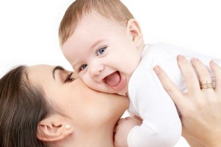 Bỏ ngay 4 thói quen này nếu mẹ muốn nuôi con khỏe mạnh - Ảnh 2.