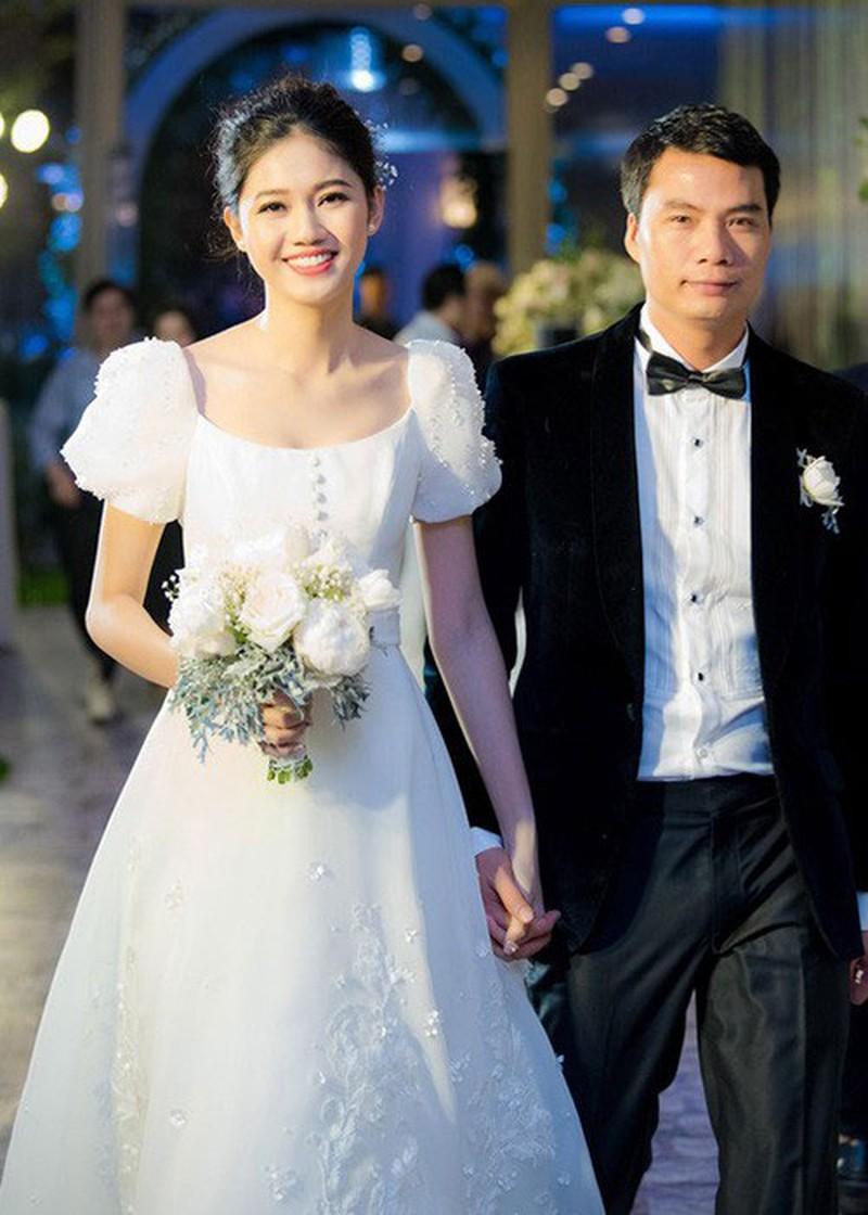 4 nàng hậu quyết định kết hôn ở tuổi đôi mươi: Đa số đều lấy chồng đại gia, Tường San kín tiếng và gây tò mò nhất! - Ảnh 5.