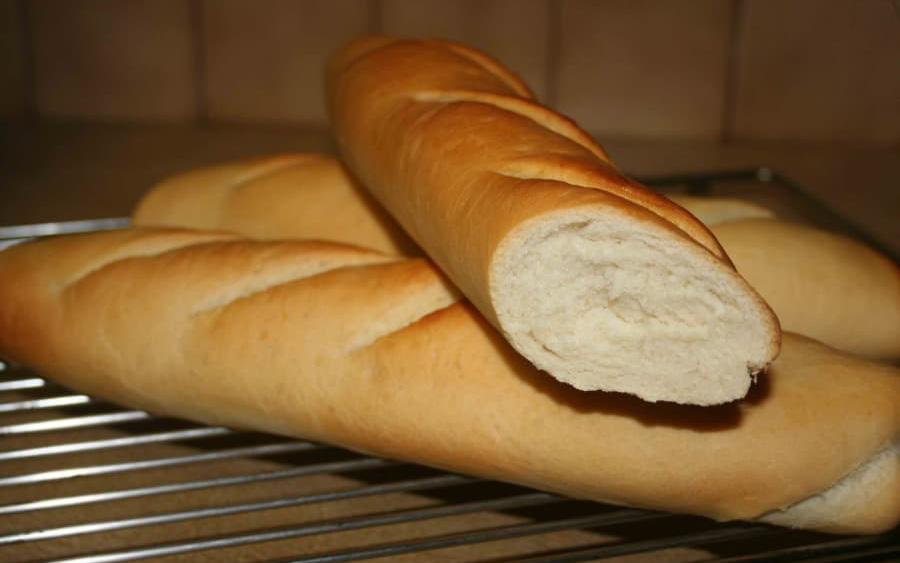 Giải mã tin đồn thói quen ăn sáng bằng bánh mì có thể gây ung thư vú: Nghe chuyên gia phân tích, bạn sẽ phải thay đổi thói quen sống gấp