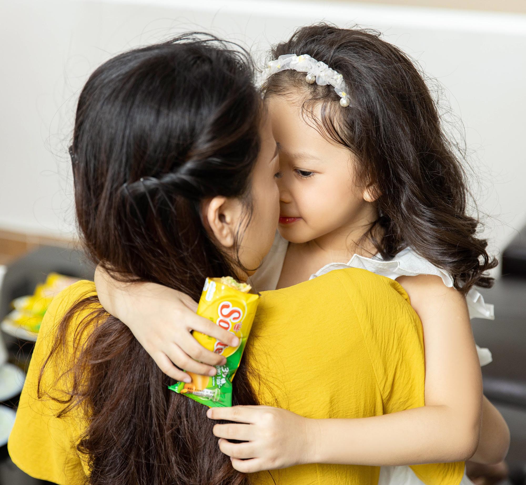 """""""Châm ngôn"""" mới của mẹ trẻ hiện đại: Mẹ mềm dịu, con tự tin hạnh phúc - Ảnh 4."""