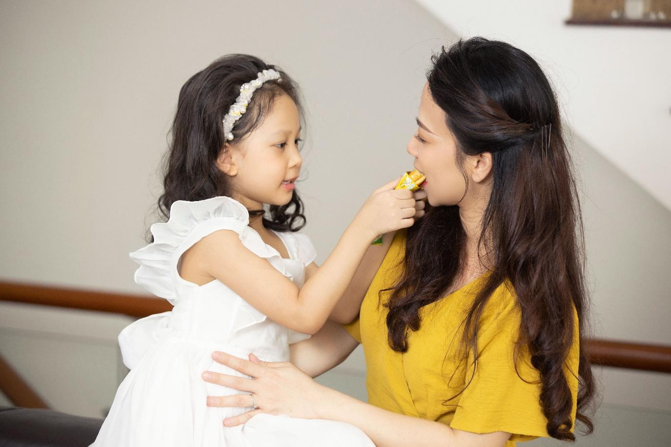 """""""Châm ngôn"""" mới của mẹ trẻ hiện đại: Mẹ mềm dịu, con tự tin hạnh phúc - Ảnh 5."""