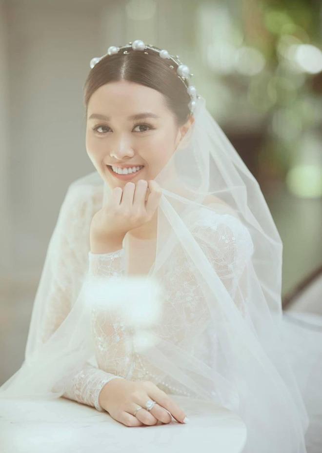 4 nàng hậu quyết định kết hôn ở tuổi đôi mươi: Đa số đều lấy chồng đại gia, Tường San kín tiếng và gây tò mò nhất! - Ảnh 2.