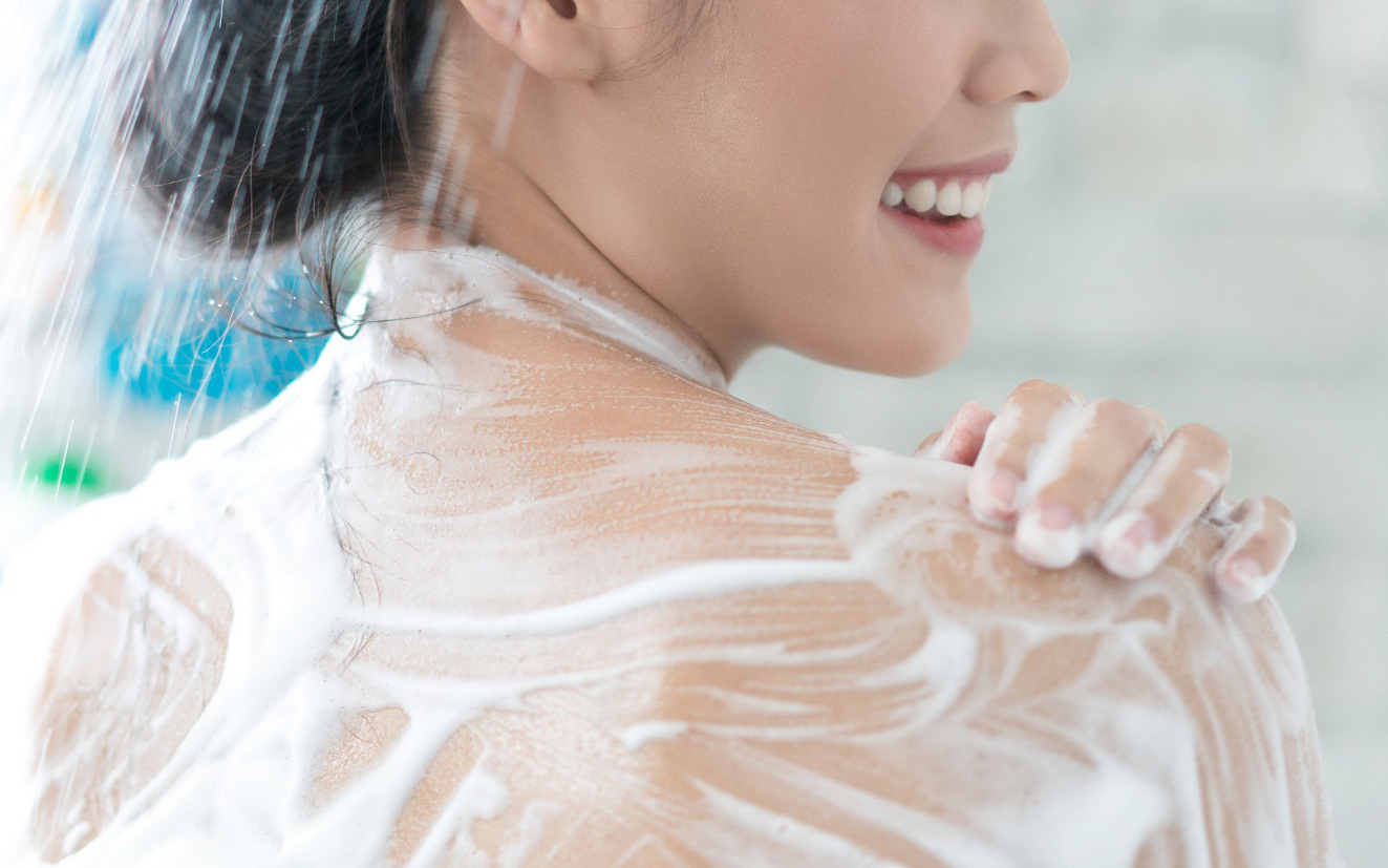 Mùa cuối năm bụi mịn ngập tràn, bạn đã biết cách chọn sữa tắm mới để thay liền tay?