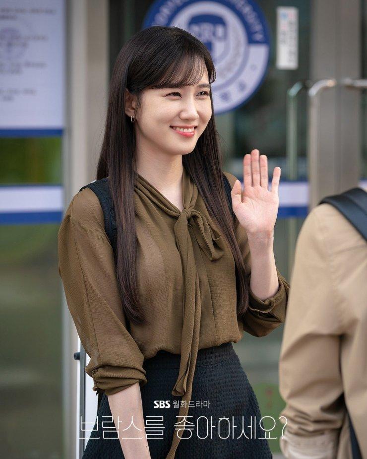 11 outfit công sở hot nhất trong các drama Hàn: Đơn giản và chuẩn thanh lịch, xua tan nỗi lo mặc xấu khi đi làm - Ảnh 11.
