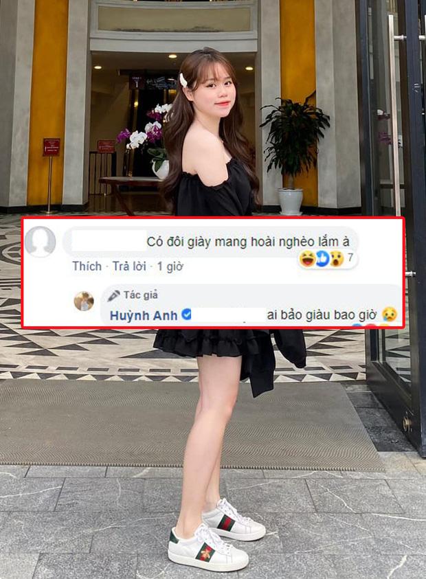 Không biết chuyện tình cảm trúc trắc thế nào, nhưng nhìn street style sẽ thấy Huỳnh Anh nhất kiến chung tình với 4 đôi giày thể thao này - Ảnh 4.