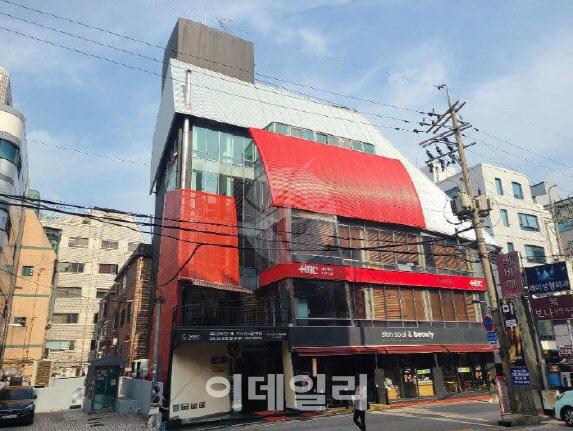Loạt đại gia bất động sản mới trong Kbiz lộ diện: Son Ye Jin, Park Seo Joon giàu có là vậy nhưng vẫn phải chịu thua mỹ nam này - Ảnh 4.