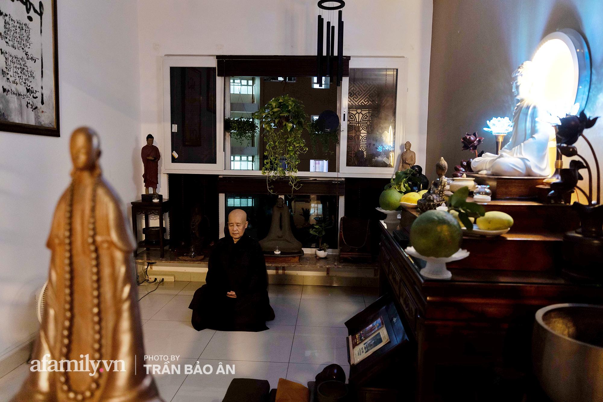 Những hình ảnh hiếm hoi tại nhà của Nghệ nhân ẩm thực Nguyễn Dzoãn Cẩm Vân kể từ khi xuất gia và bữa cơm chay do đích thân cô xuống bếp thiết đãi - Ảnh 10.