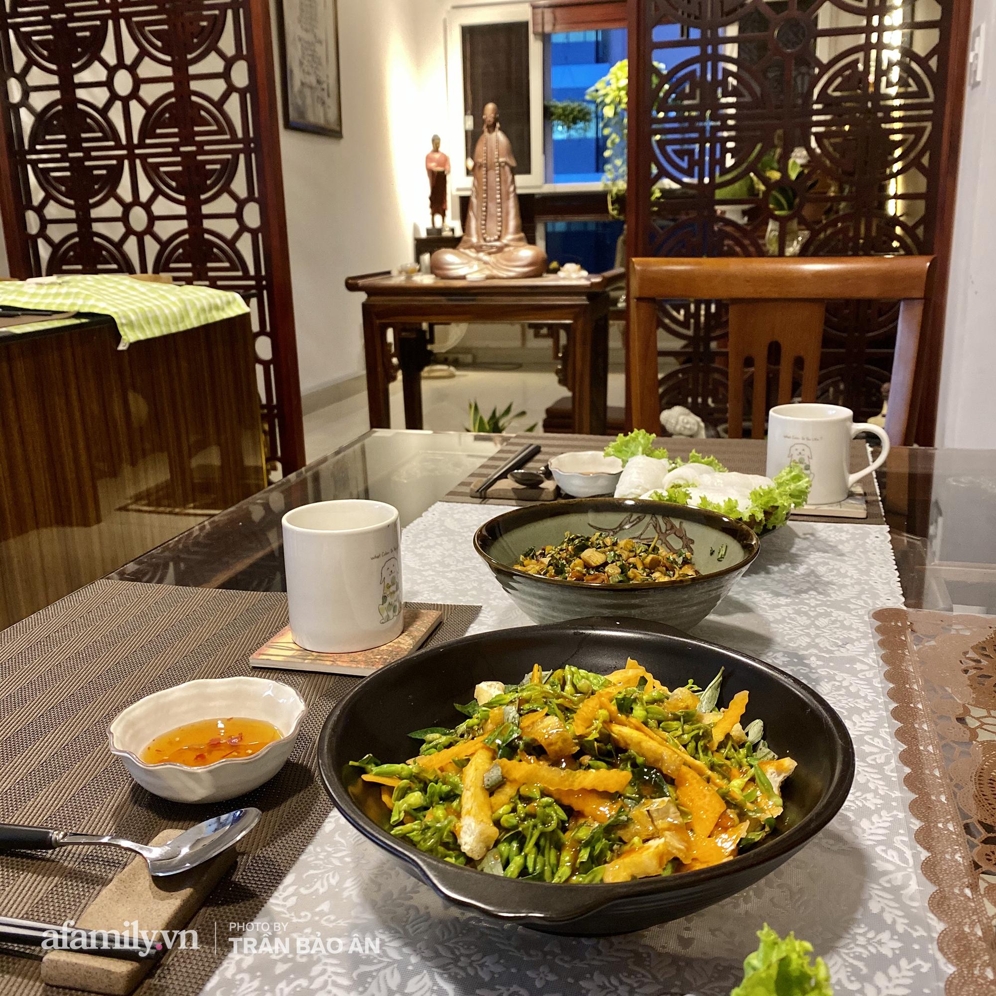 Những hình ảnh hiếm hoi tại nhà của Nghệ nhân ẩm thực Nguyễn Dzoãn Cẩm Vân kể từ khi xuất gia và bữa cơm chay do đích thân cô xuống bếp thiết đãi - Ảnh 9.