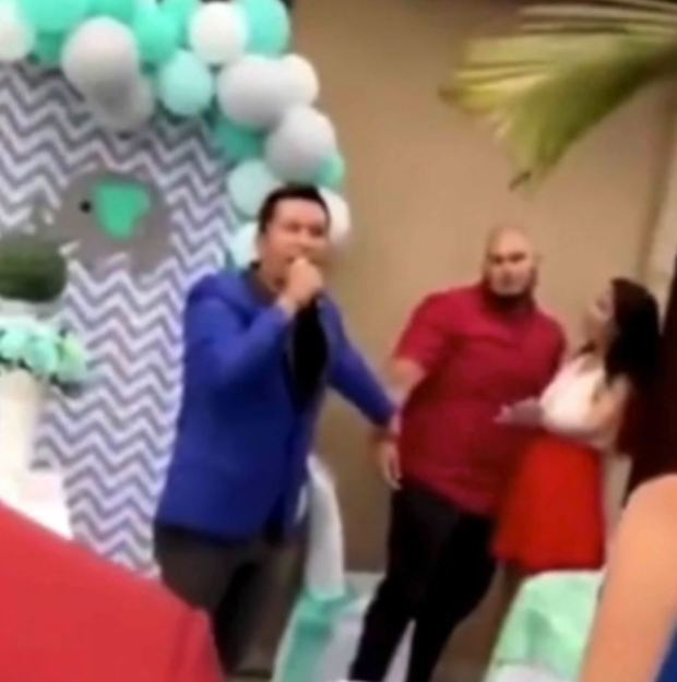 """Người đàn ông vạch mặt vợ bội bạc ngay tại tiệc mừng con sắp chào đời, """"kẻ thứ 3"""" mặt dày bị quan khách lao vào tấn công - Ảnh 3."""