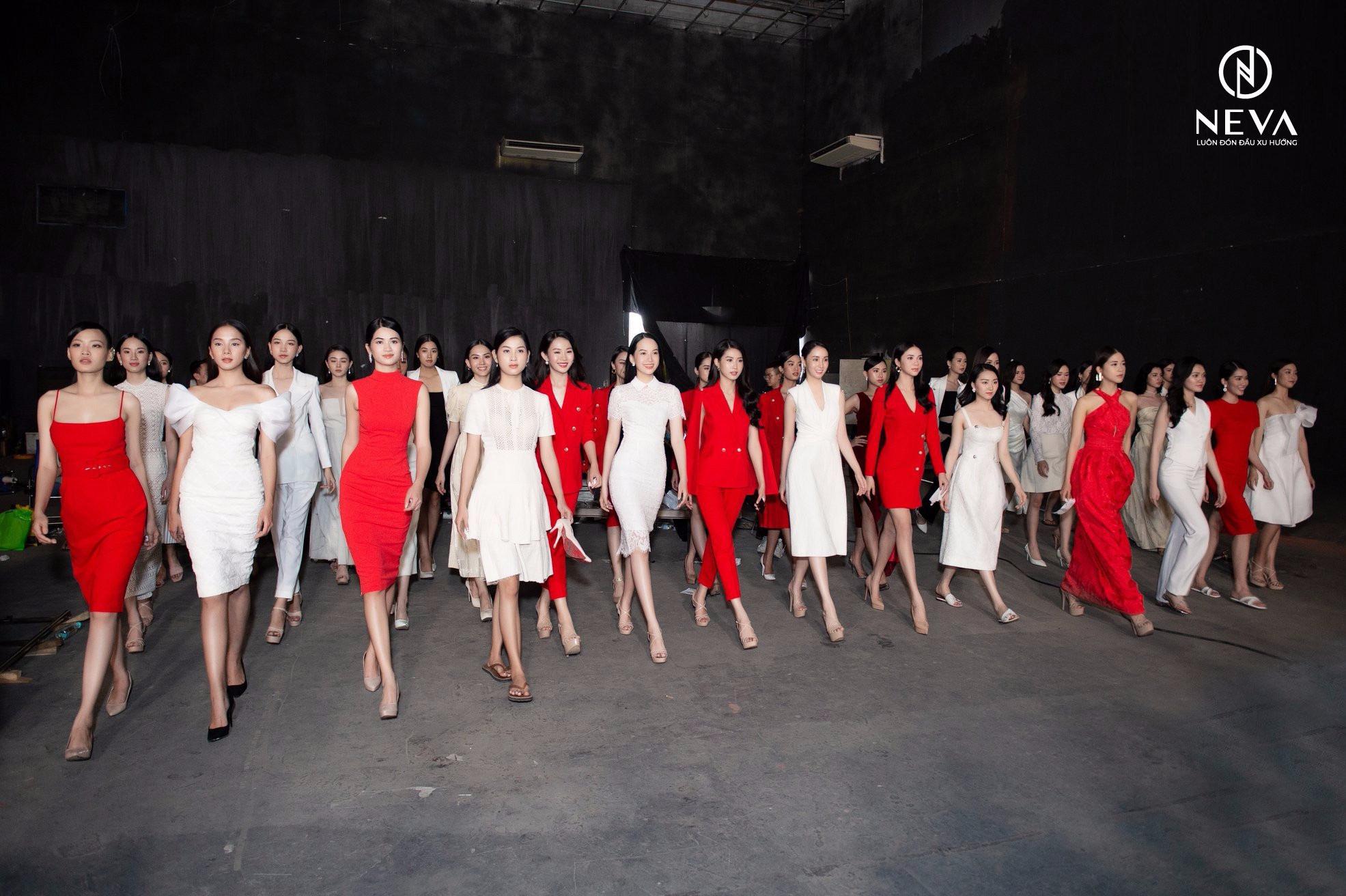 NEVA tự hào là nhà thiết kế thời trang hoa hậu việt nam 2020 - Ảnh 2.