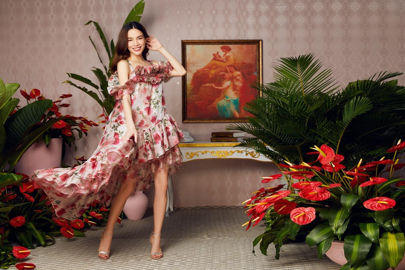 """Hóa thân vào các nàng Hậu với bộ sưu tập """"The Most Beauty"""" đã cập bến cửa hàng Thời trang NEVA - Ảnh 5."""
