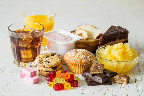 Bất kể đàn ông và phụ nữ, sau tuổi 50 nên tránh 3 loại thực phẩm, ăn nhiều sẽ làm tổn thương não và dễ dẫn đến mất trí nhớ - Ảnh 3.