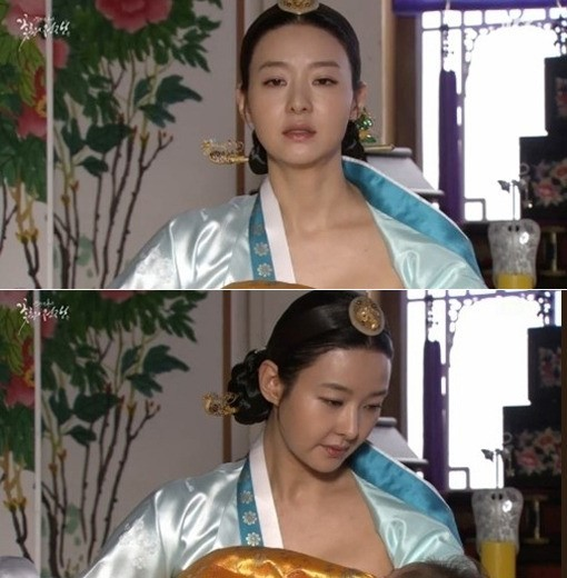 """""""Mẹ Suzy"""" Song Seon Mi: Gây tranh cãi vì mặc đồ phản cảm khoe nguyên vòng 3 trên thảm đỏ, bất hạnh khi chồng bị anh họ giết hại do tranh chấp khối tài sản hơn 1.000 tỷ đồng - Ảnh 5."""