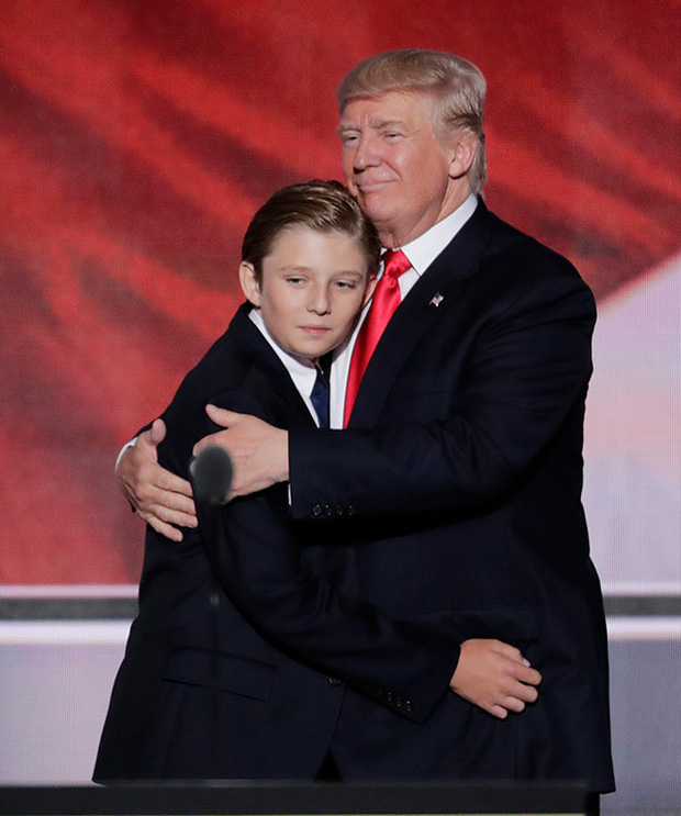 """Chỉ mới 14 tuổi nhưng cậu út nhà ông Donal Trump đã khiến ai cũng phải """"ngước nhìn"""" vì chiều cao nổi bần bật - Ảnh 2."""