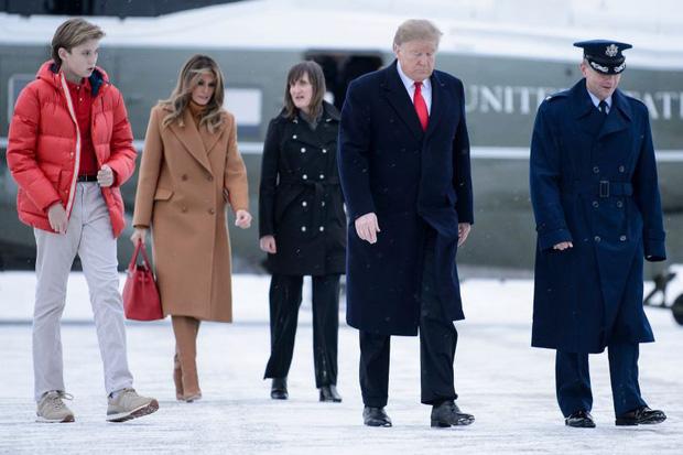 """Chỉ mới 14 tuổi nhưng cậu út nhà ông Donal Trump đã khiến ai cũng phải """"ngước nhìn"""" vì chiều cao nổi bần bật - Ảnh 4."""