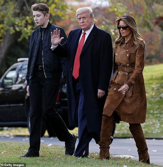 """Chỉ mới 14 tuổi nhưng cậu út nhà ông Donal Trump đã khiến ai cũng phải """"ngước nhìn"""" vì chiều cao nổi bần bật - Ảnh 6."""