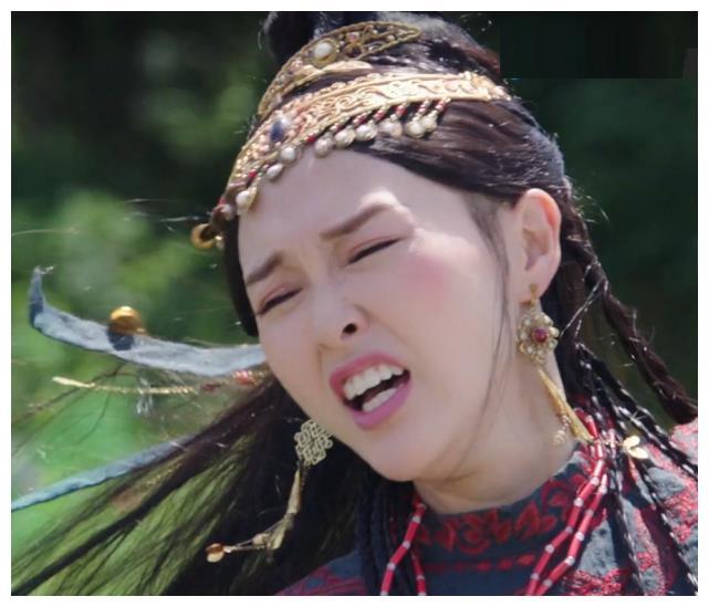 """""""Yến Vân Đài"""": Đường Yên bị diễn viên phụ đấm vào mặt, phản ứng đau đớn sau đó mới đáng nói  - Ảnh 11."""